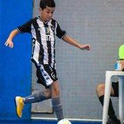 Neto de Jairzinho sonha em ser jogador e já atua no futsal do Botafogo