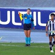 Árbitro relata na súmula ofensas machistas da torcida à assistente Katiuscia e pedido de desculpas do Botafogo