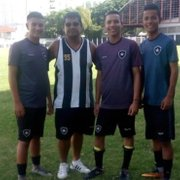 En busca del sueño! Trio colombiano chega ao Brasil para fazer testes no Botafogo