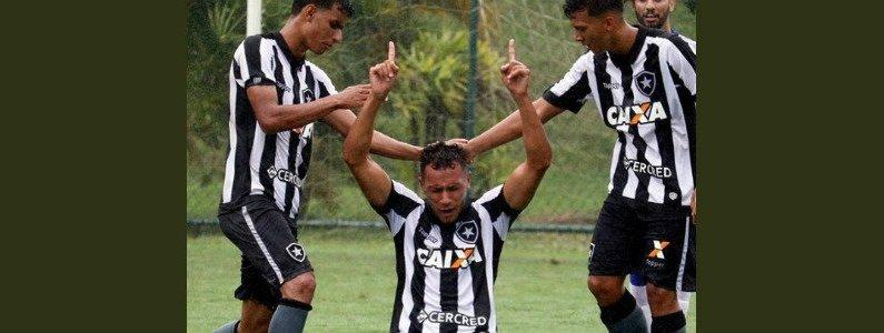 Renan Gorne fez dois gols no empate entre Botafogo e Olaria na estreia do Torneio Otávio Pinto Guimarães (OPG) 2018