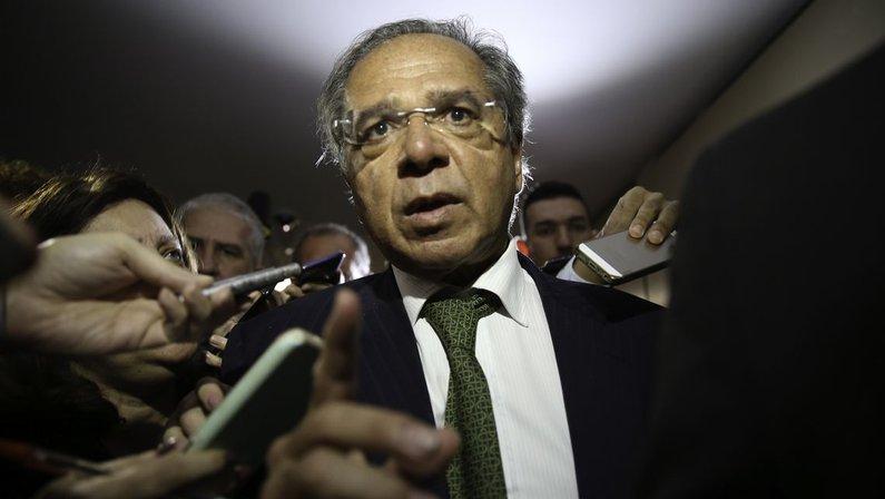 Novo ministro da Economia ameaça cortar patrocínio da Caixa a clubes de futebol