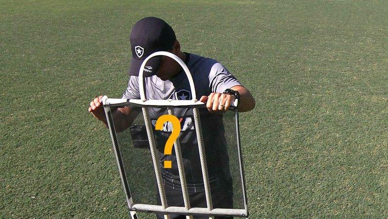 Zé Ricardo no treino do Botafogo