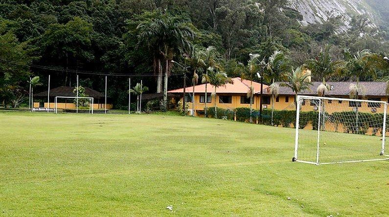 Campo do novo CT do Botafogo (Espaço Lonier) no Bairro Camorim, perto de Vargem Pequena