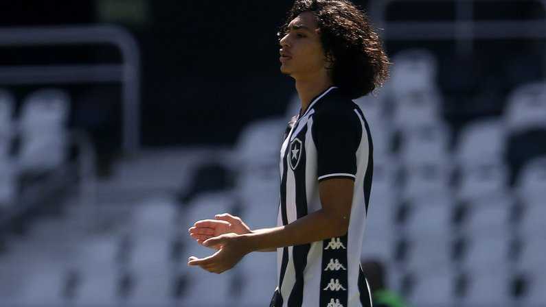 Matheus Nascimento, promessa do Botafogo