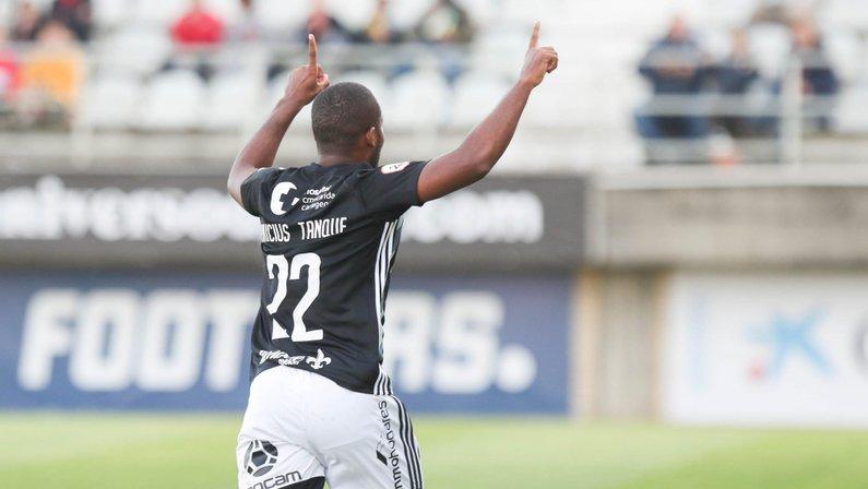 Quarentena deixa Vinícius Tanque sozinho na Espanha e freia bom início do atacante emprestado pelo Botafogo