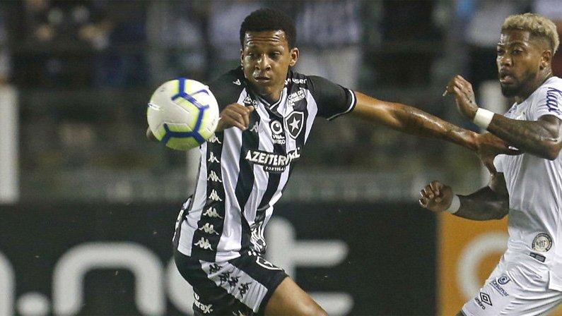 Gustavo Bochecha em Santos x Botafogo   Campeonato Brasileiro 2019