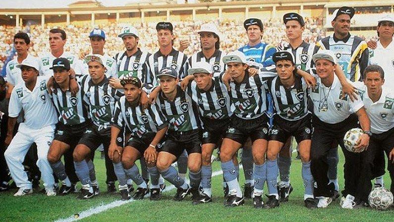 Time posado do Botafogo campeão brasileiro de 1995