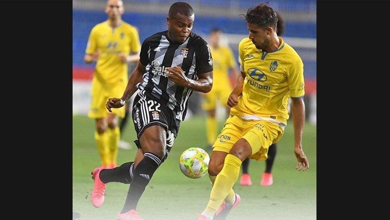 Vinicius Tanque, ex-Botafogo, em Cartagena x Baleares | Terceira Divisão do Campeonato Espanhol