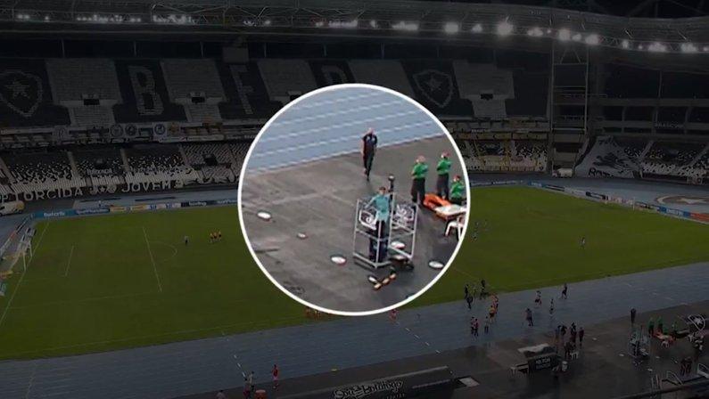 Gatito chuta a cabine do VAR em Botafogo x Internacional pelo Campeonato Brasileiro