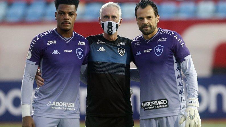 Flávio Tênius, Saulo e Diego Cavalieri - Atlético-GO x Botafogo