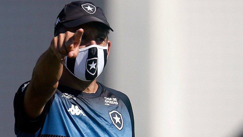 Marcos Soares, técnico do Botafogo sub-20