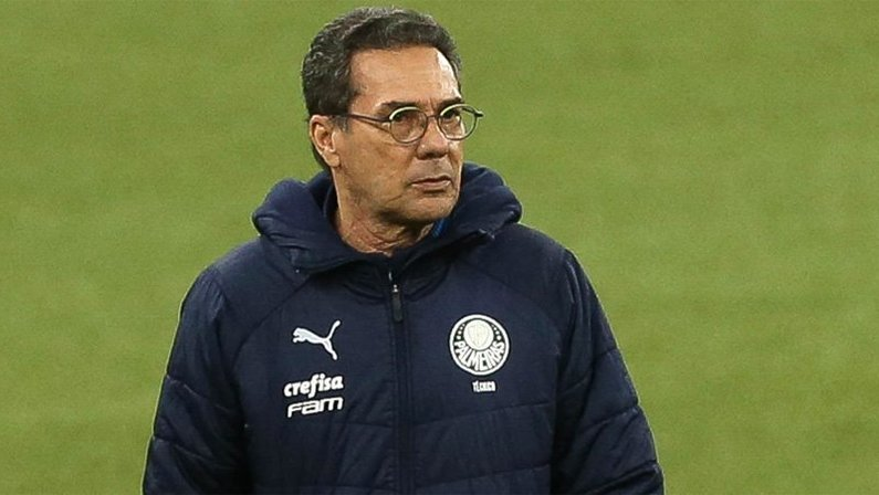 Vanderlei Luxemburgo, ex-Palmeiras, está na pauta do Botafogo para substituir Bruno Lazaroni