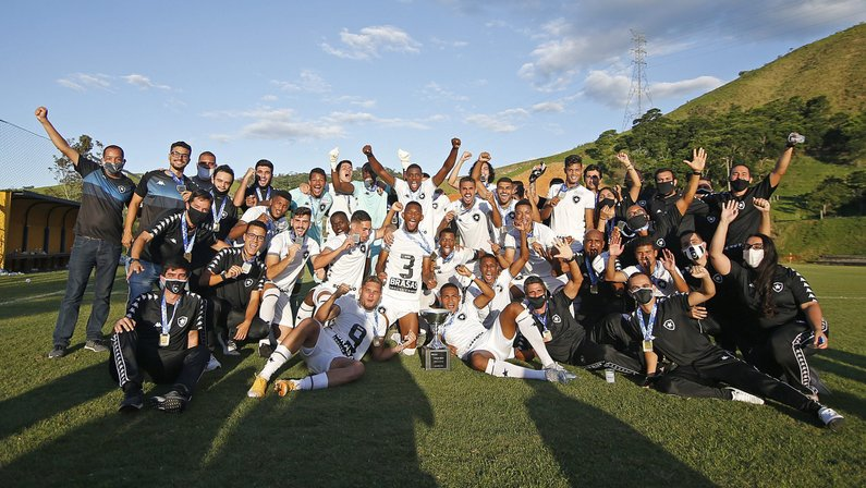 VÍDEO: Botafogo divulga bastidores de título da Taça Rio Sub-20