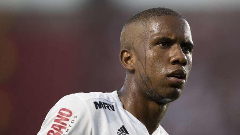 Botafogo tentou contratar Toró, do São Paulo, no último dia de inscrições do Brasileirão