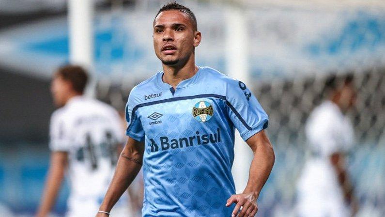 Luiz Fernando, ex-Botafogo, em Grêmio x Coritiba | Campeonato Brasileiro 2020