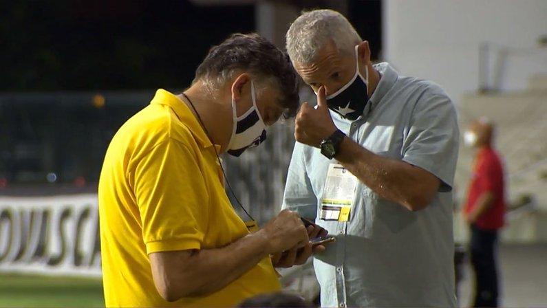 Presidente Durcesio Mello e vice-presidente Vinicius Assumpção em São Januário para Vasco 3x0 Botafogo pelo Campeonato Brasileiro