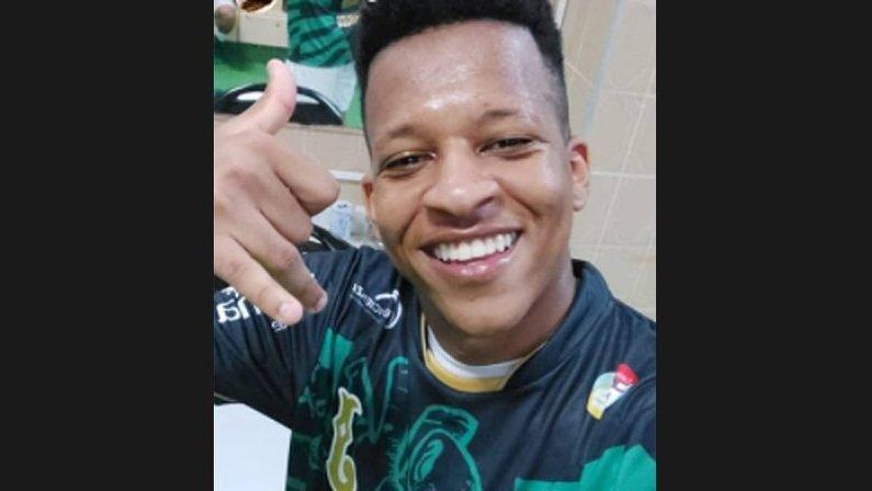 Gustavo Bochecha, ex-Botafogo, conquista acesso à Serie A de 2021 com o Juventude