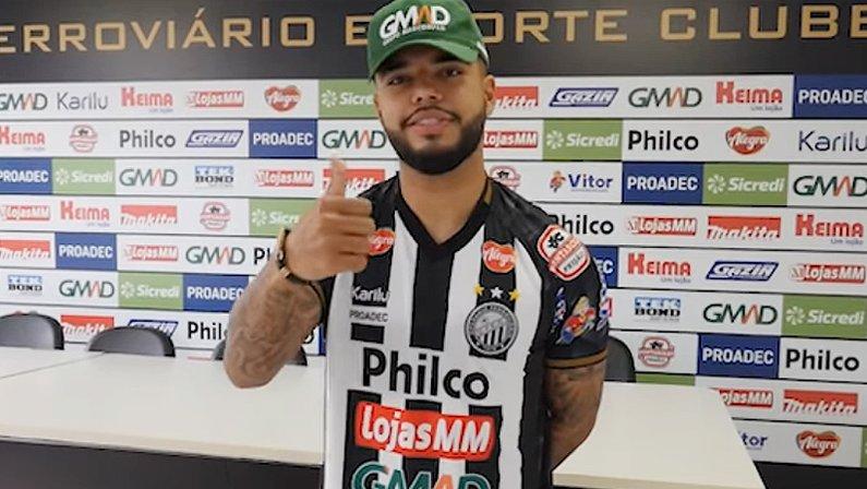 Leandrinho, ex-Botafogo, reforça o Operário Ferroviário de Ponta Grossa