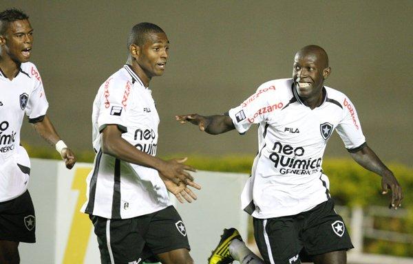 Maicosuel, Jobson e Somália nos tempos de Botafogo