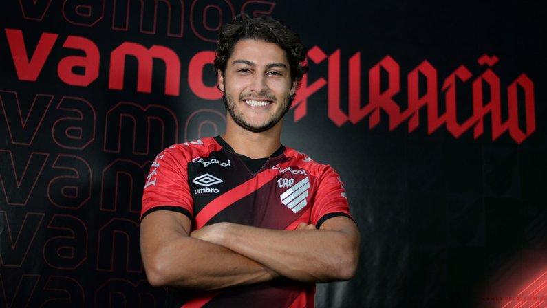 Ex-Botafogo, Marcinho é novo reforço do Athletico-PR