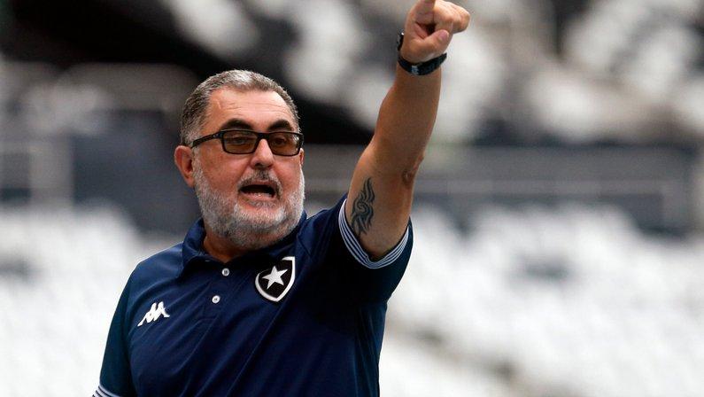 Futebol feminino: técnico do Botafogo projeta Estadual e planeja buscar o bi