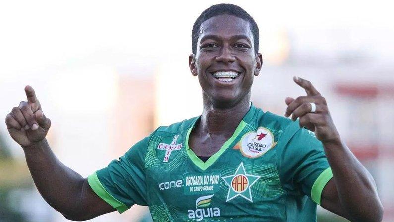 Mauro Silva, da Portuguesa, pode pintar no Botafogo