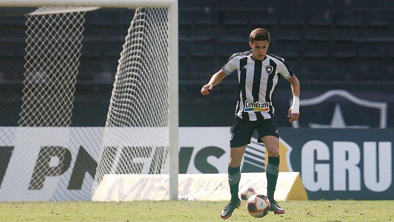 Botafogo deve ter Romildo e Warley titulares contra o Confiança; veja provável escalação