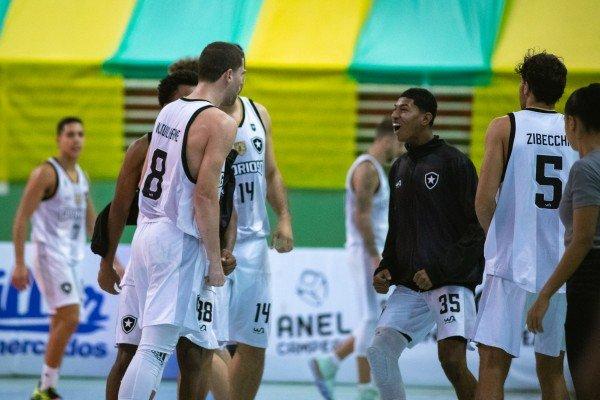 NBPG/Ponta Grossa x Botafogo - Campeonato Brasileiro de Basquete