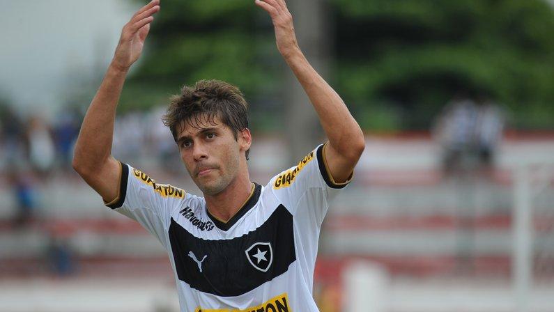 Fellype Gabriel: 'Fase do Botafogo é um pouco mais complicada que a do Vasco'