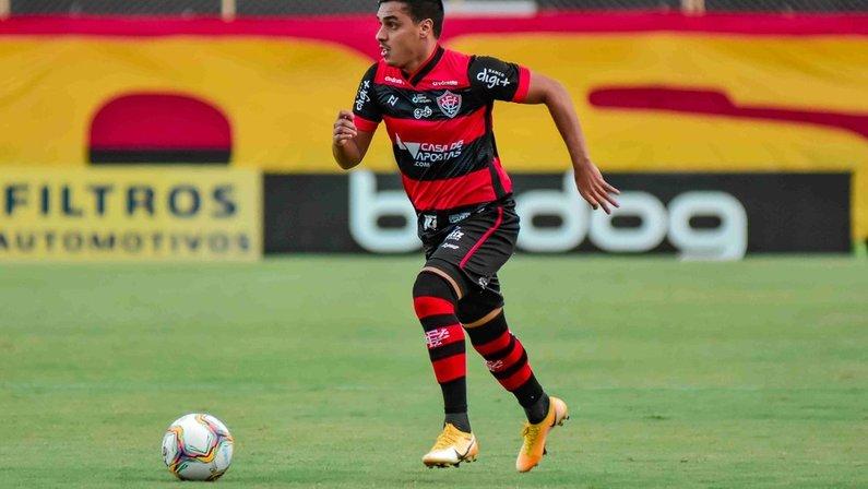 Alisson Farias, do Vitória, interessa ao Botafogo