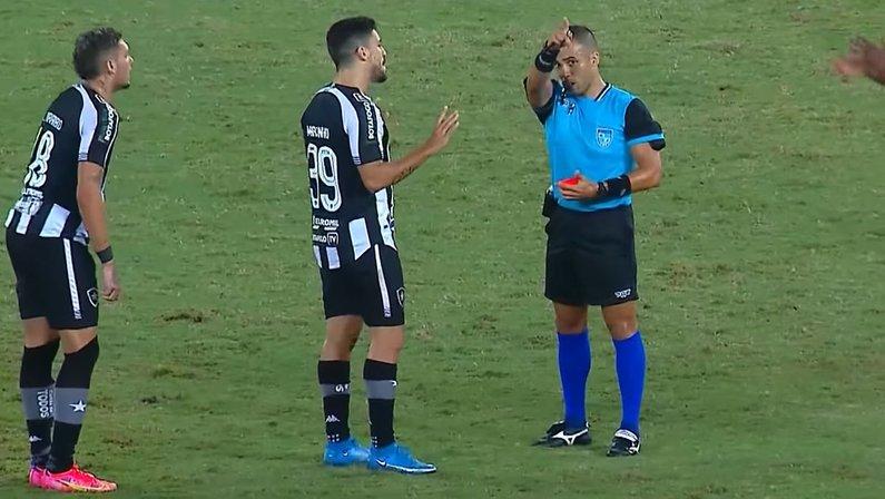 Expulsão de Marcinho em Nova Iguaçu x Botafogo   Taça Rio   Campeonato Carioca 2021
