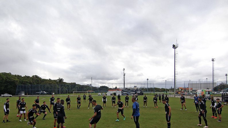 Botafogo busca reação na Série B contra o Vitória, em má fase