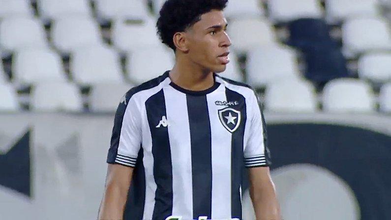 Paulo Victor (PV) em Botafogo x Coritiba | Série B do Campeonato Brasileiro 2021