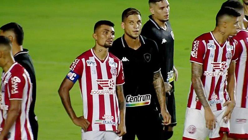 Kieza e Rafael Moura em Náutico x Botafogo | Série B do Campeonato Brasileiro
