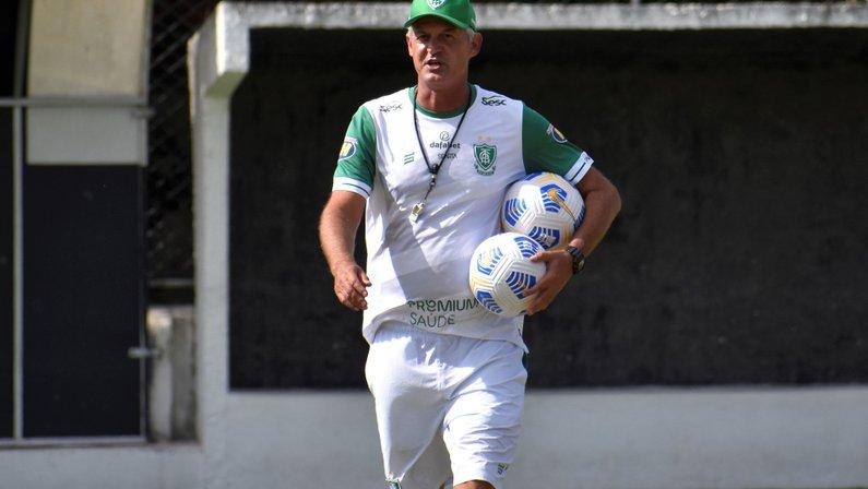 Lisca, ex-técnico do América-MG, é cogitado no Botafogo