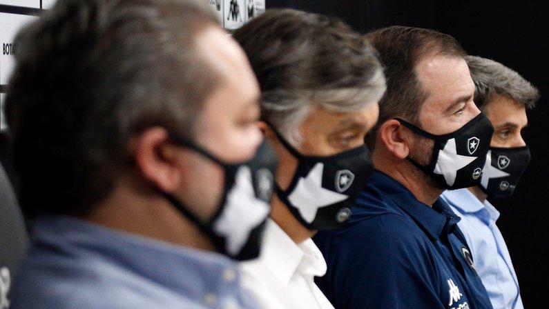 Diretoria do Botafogo mostra 'apoio integral' a Enderson Moreira: 'A competência vai mudar essa situação'