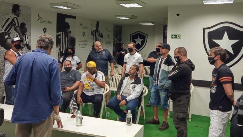Durcesio Mello reunião com torcida do Botafogo