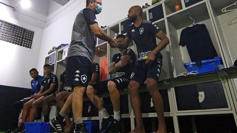 Enderson Moreira e Chay em treino do Botafogo