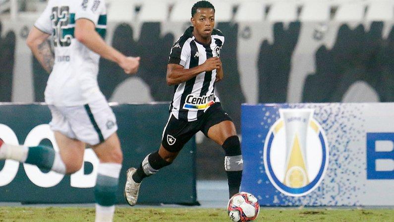 Ênio em Botafogo x Coritiba   Série B do Campeonato Brasileiro 2021