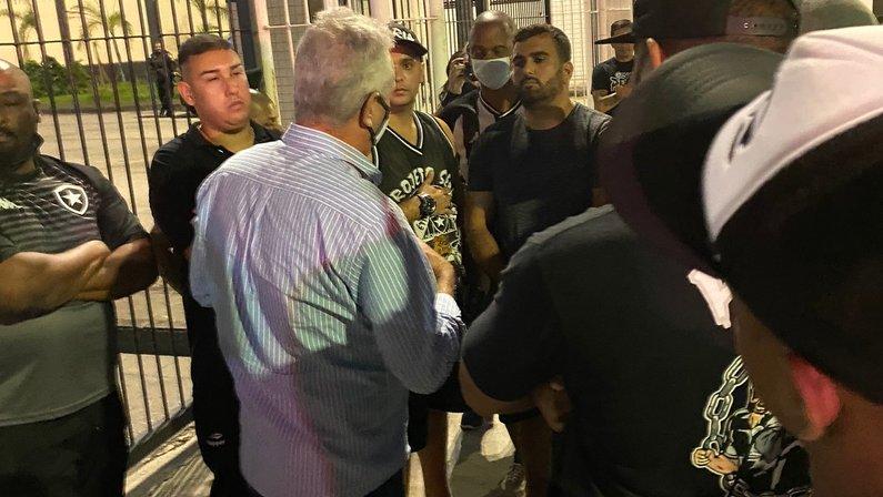 Fúria e Vinicius Assumpção no Botafogo