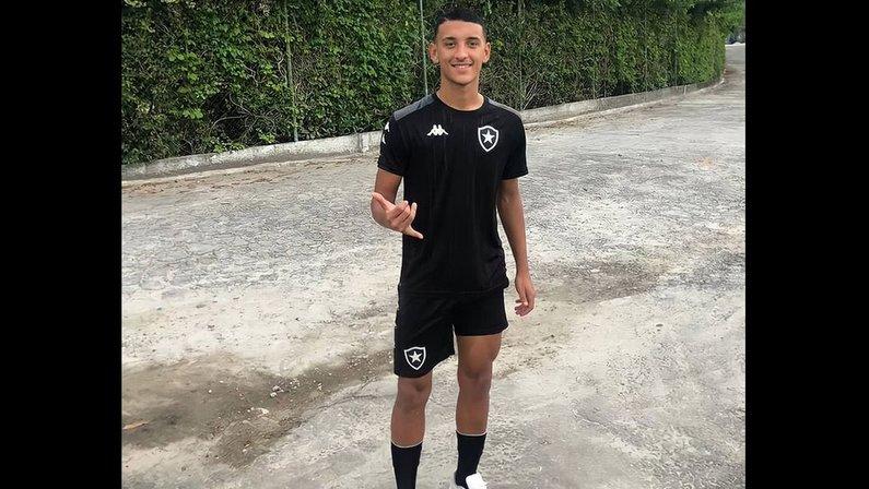 Gabriel Alves, ex-Náutico, reforço Botafogo no sub-20
