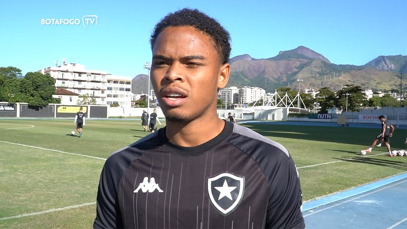 Lucas Mezenga - Botafogo