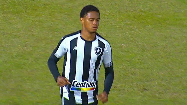 Lucas Mezenga em Brusque x Botafogo | Série B do Campeonato Brasileiro 2021