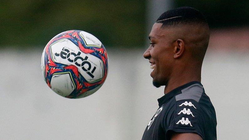 Escalação do Botafogo: Kanu volta, e Enderson tem dúvida no ataque contra o Vitória