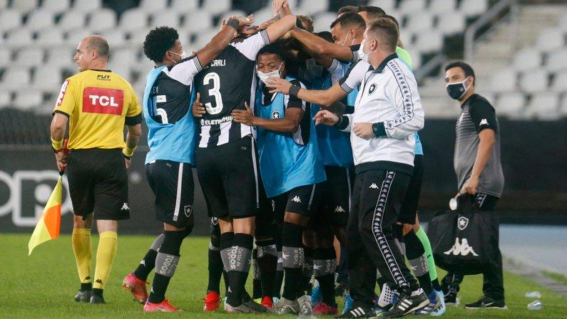 Pitacos: em apenas 6 jogos, Botafogo já fez mais pontos com Enderson que com Chamusca; tempo perdido faz falta