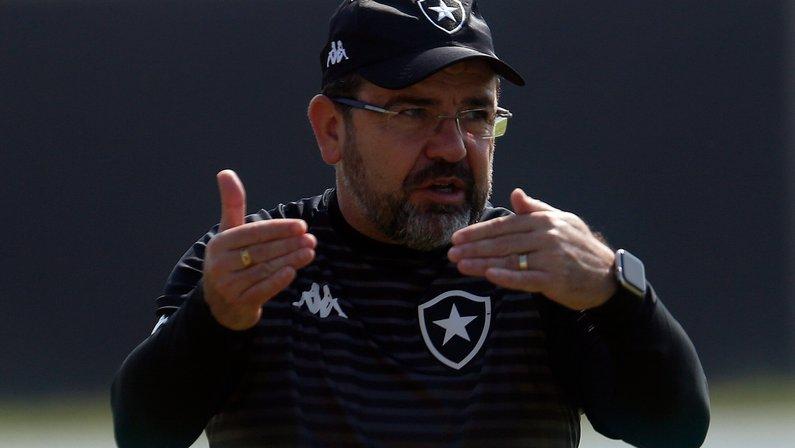 Botafogo pode subir mesmo se Enderson repetir desempenho de Chamusca