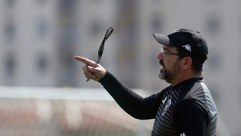 Enderson Moreira merece crédito nas indicações de reforços ao Botafogo