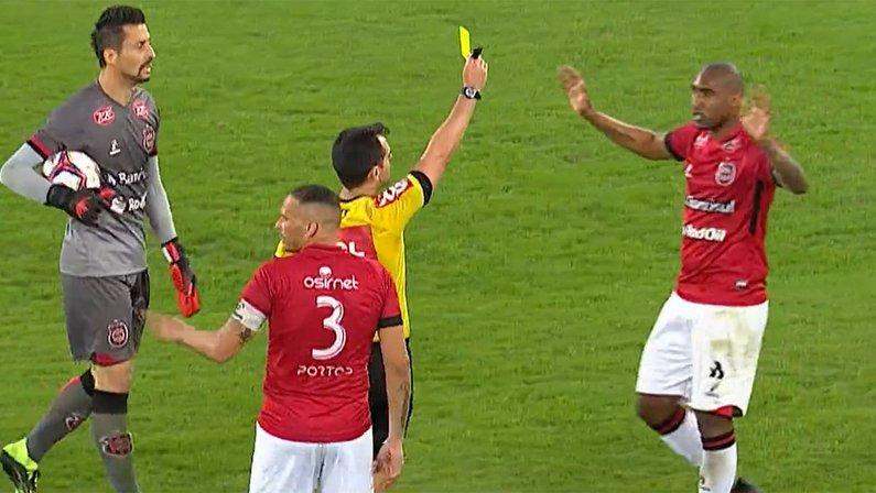 Cartão amarelo para Arthur Henrique - Botafogo x Brasil-RS