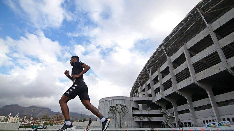 Diego Gonçalves faz transição no Botafogo