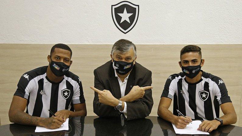 Durcesio Mello com Gabriel Conceição e Juninho - Botafogo